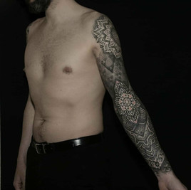 tatuajes geometricos dotwork.jpg