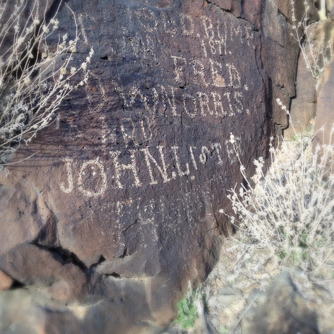 Old Homestead Petroglyphs (10)_edited