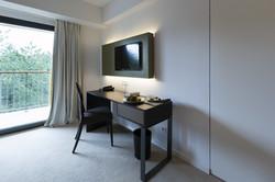 Hotel Schreibtisch 2