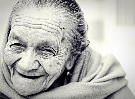 Elogio a la vejez: 25 frases para celebrar la tercera edad