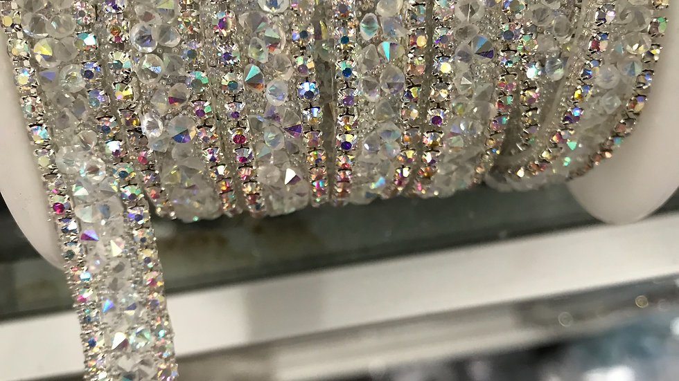 Couture Trim Glass Center