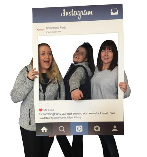 social media selfie frame