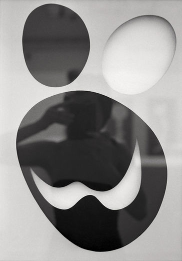 Photo by Sterenn Denys, Self-Portrait in Homage to Arp, 2005