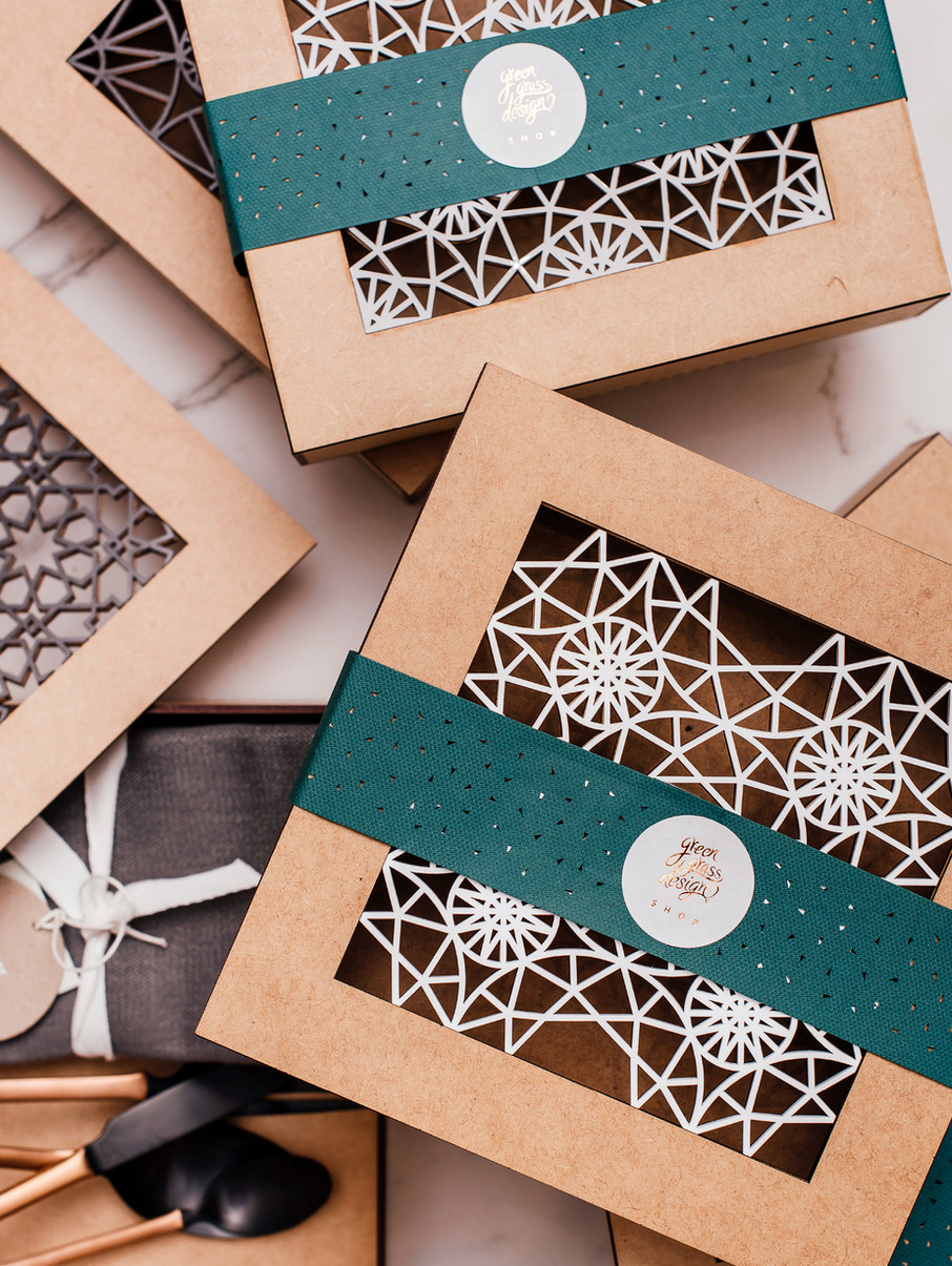 Intricate gift box