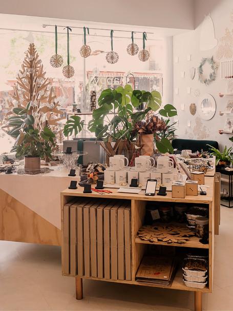 gift shop/