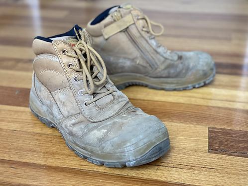 Hard Yakka low cut - labourer's boot
