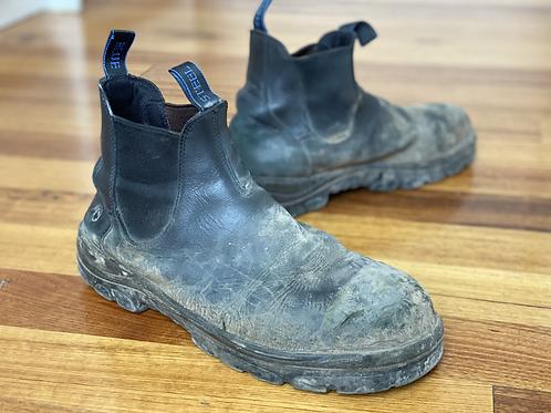 Steel Blue slip on- black