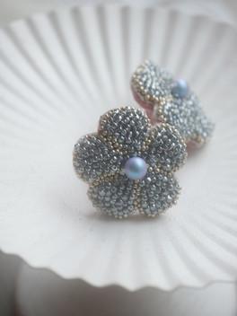 HC blue flower pierce