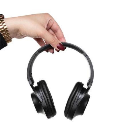 headphones2.jpg