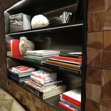 Cadre et étagères en aluminium