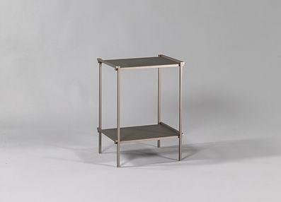 Meuble bibliothèque design en aluminium fabriqué en France avec étagères en métal style industriel Regula par l'Alufacture