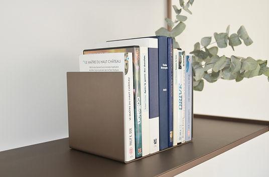Serre-livres design Regula en aluminium