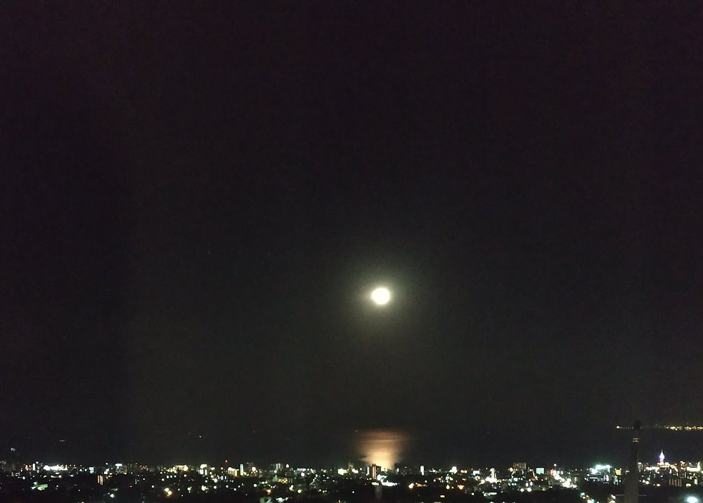 Sea&Moon