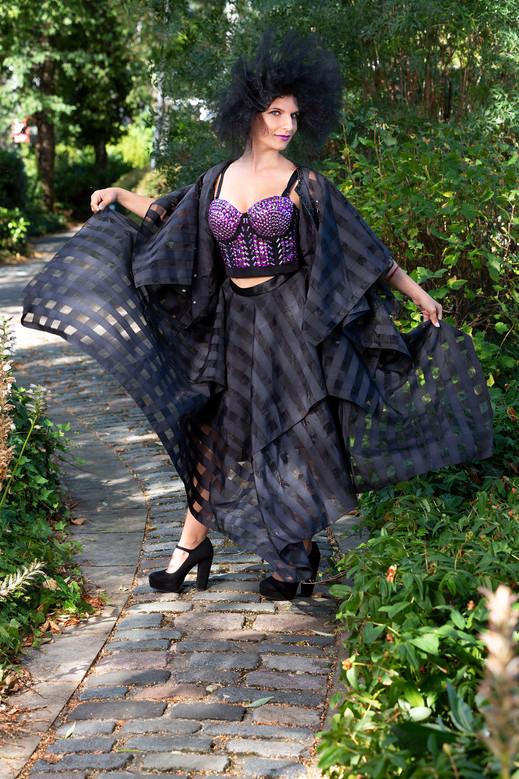 Rod Leon photography Henrietta Szentes model