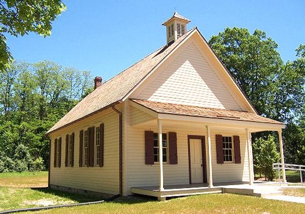 4-7-3A_Oakton-School-House-003-500x351_e