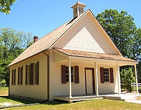 4-7-3A_Oakton-School-House-003-500x351_e