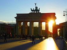 Portão Brandenburg sol