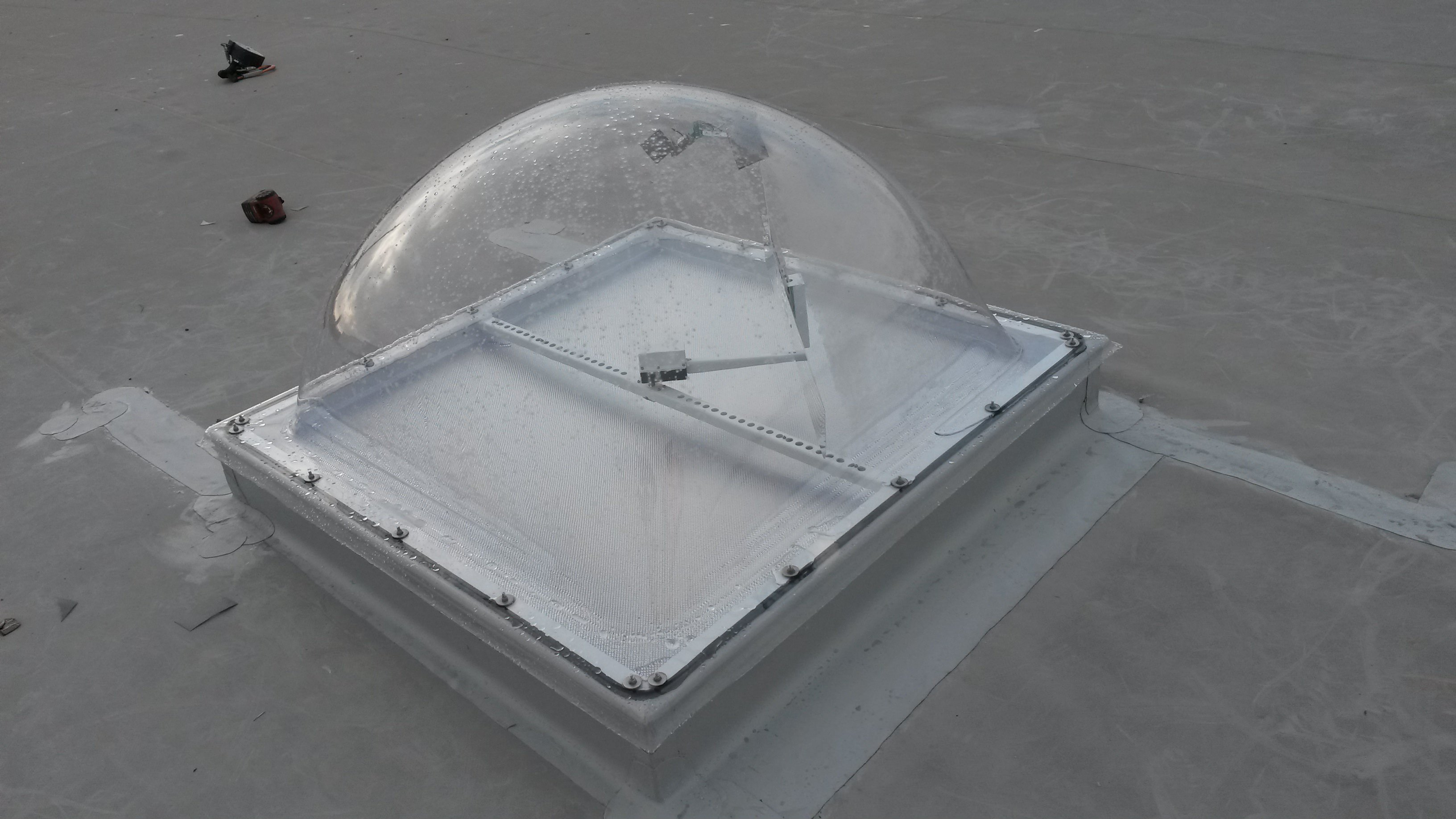 smart-skylight-dome-kellogg's-01