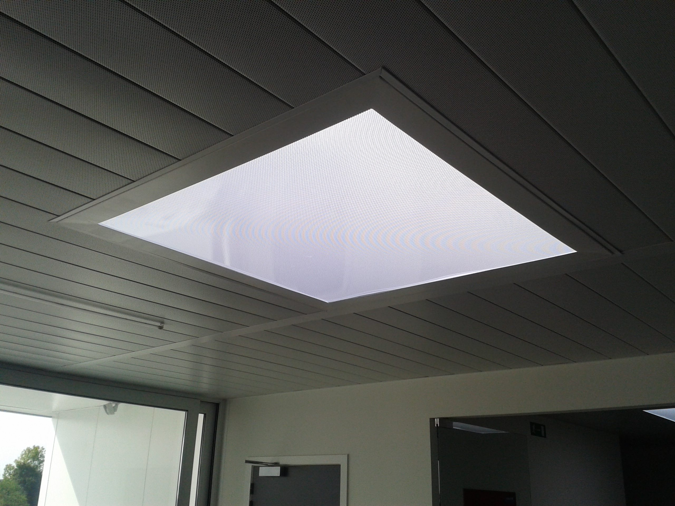 smart-skylight-dome-runners lab-09