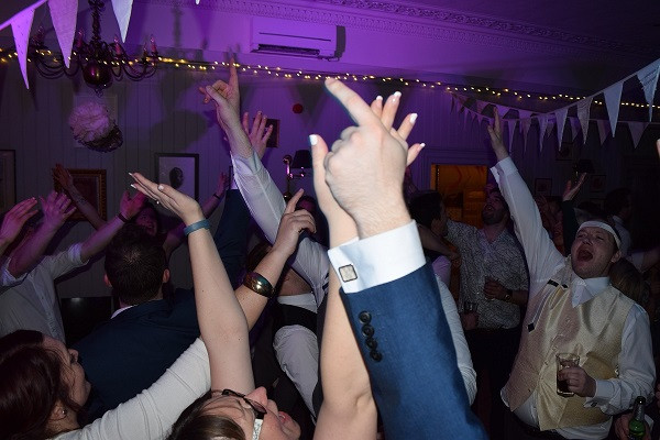 All together now!  DJ Jules, Wedding DJ London
