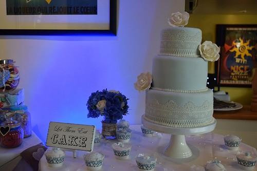 Mood lighting the wedding cake, DJ Jules, Wedding DJ London
