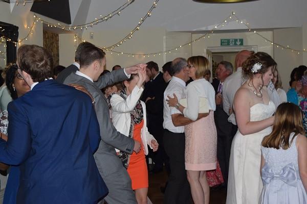 Happy Dancers, DJ Jules, Wedding DJ London