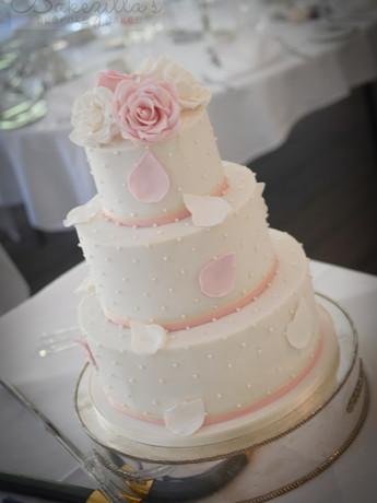 cam tracy cake (1 of 1).jpg