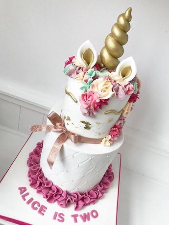 This weeks unicorn cake! #unicorn #unico