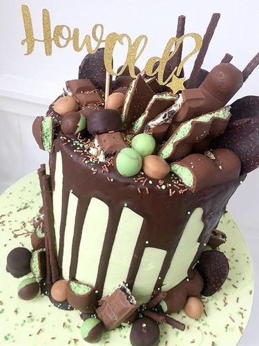 Mint chocolate chip cake! #howold #cake�