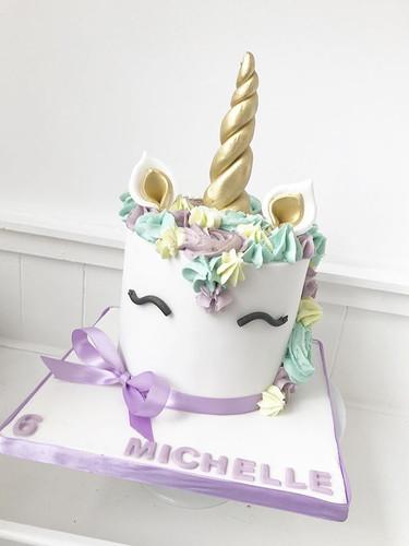 Unicorn cake! #unicorncake #unicornparty