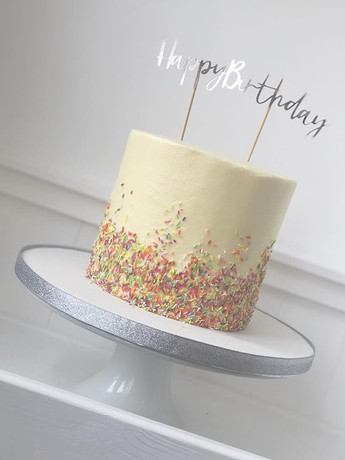 #cupcakeshop #buttercreamcake #cake🎂 #c