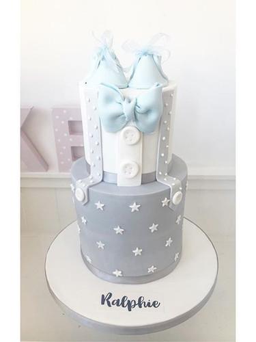 A beautiful baby shower cake! #babyshowe
