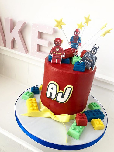 Superhero Lego cake! #cakedesigning #cak