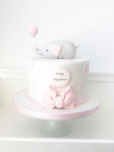 Gorgeous baby shower cake! #cakemaker #c