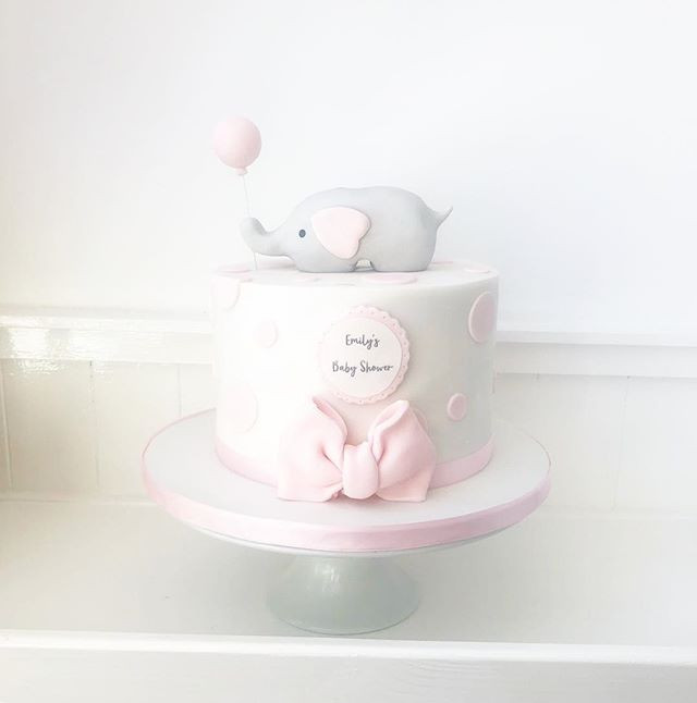 Gorgeous baby shower cake! #cakemaker #c