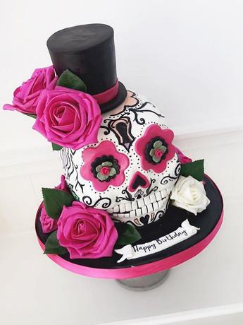 First sugar skull cake! 💀 🌹 🎩 & also