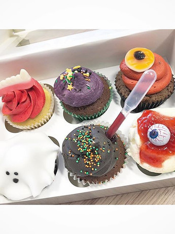 Halloween cupcakes in store! Mix and mat