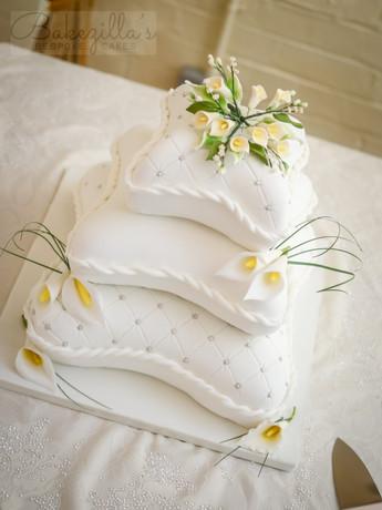 3 Tier Pillow Cake (4 of 6).jpg