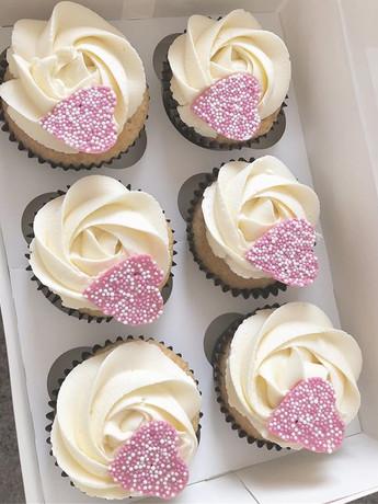 Vanilla cupcakes! #cakedesigner #vanilla