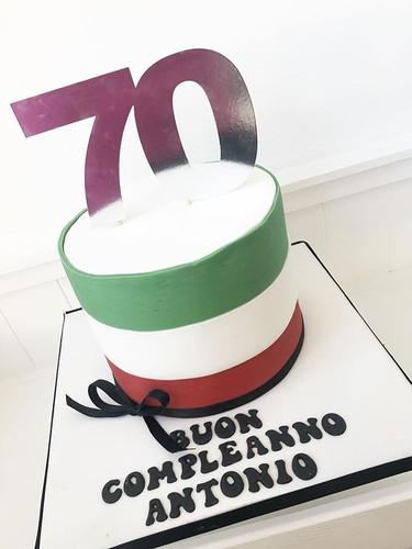 An Italian themed 70th cake! #cake #cake