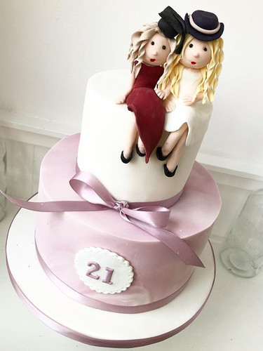 A cake for twins turning 21! #cakelove #