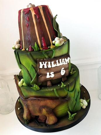 3 tiered dinosaur cake! #dinosaur #cakel