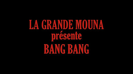 La Grande Mounadégaine, vise ettire. Bang, bang, bang, bang, elle fait mouche Car l'acte le plus sublime est de placer à la lumière celles et ceux qui ne sont plus. 