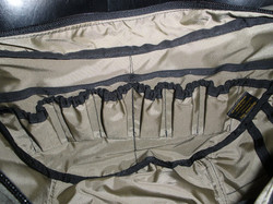 Purse interior showing oil pockets