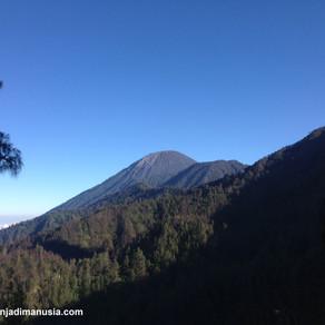 Menapak Gunung Semeru dengan Santai