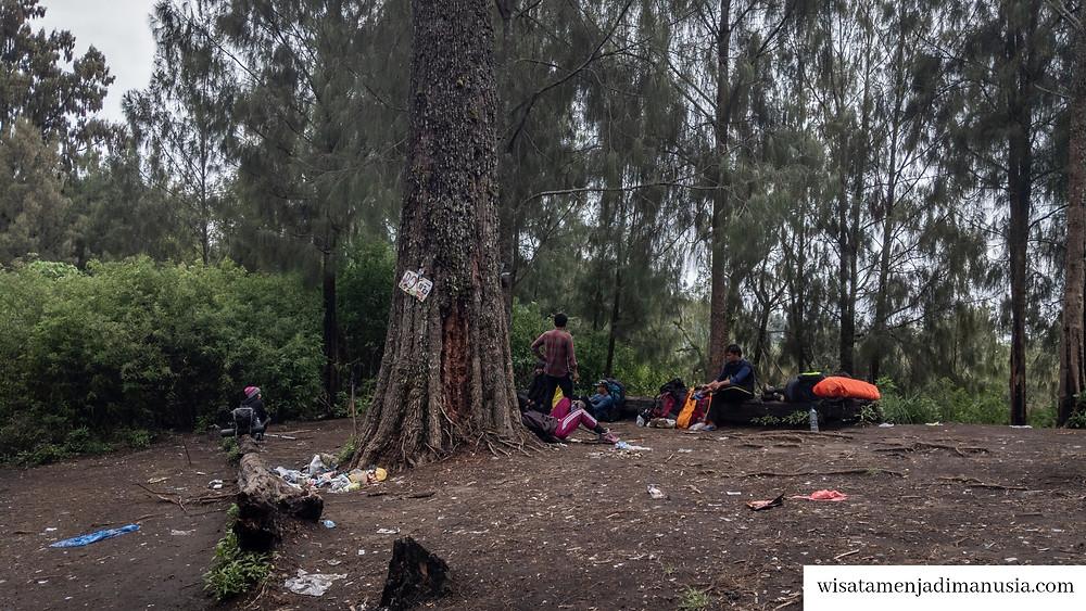 Suasana di Pos 3 Gunung Buthak