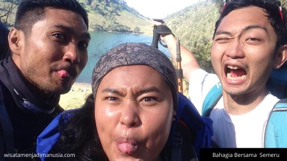 Bahagia Bersama Gunung Semeru