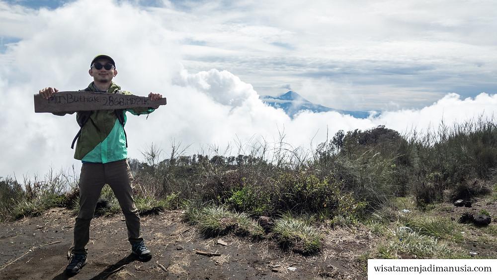 Puncak Gunung Buthak