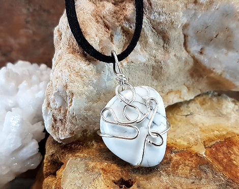 Tranquil Thoughts, Howlite Gemstone Necklace