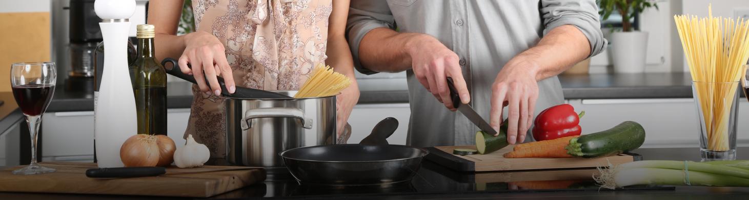 gente cocinando